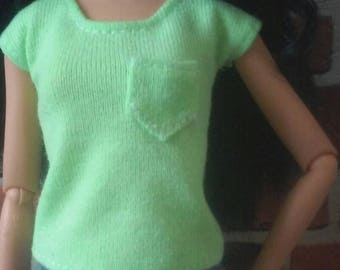 T Shirt w/ Pocket for Barbie, or similar size doll