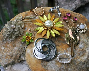 Vintage Costume Jewelry Brooches Lot of 9 Art Deco Rhinestones Cannetille