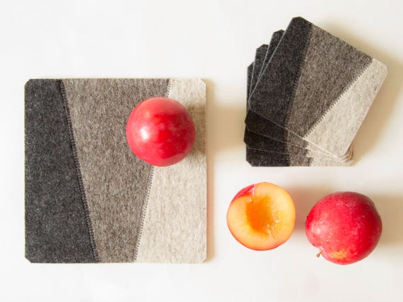 Felt trivet / dark grey / square trivet / decorative mat / geometric / home decor / wool felt / handmade in Italy