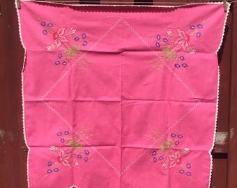 Hot Pink Tablecloth / Vintage Linen Embroidered Table Cloth With Tatted  Edging