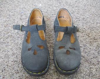 Dr. Marten Doc Martens LEATHER Mary Janes SHOE's  u.s Size 7 uk size 5 olive color