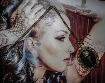 "Necklace cabochon bronze felt Gothic steampunk ""SkullBird"""