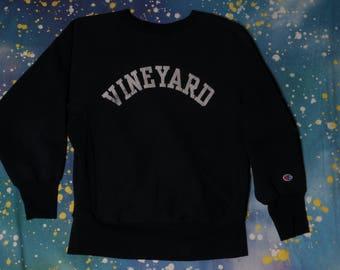 VINE YARD CHAMPION Reverse Weave Sweatshirt Size  M