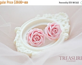 SALE Pink rose studs, pink studs, pink flower studs, soft pink roses studs, pink floral studs, soft pink rose earrings, pink roses, stud ear