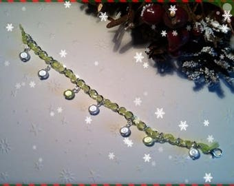 Green and white beads ref 186 charm bracelet