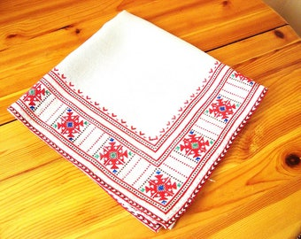 Tablecloth Bulgarian embroidery Table runner Flax panama tablecloth