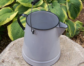 Vintage Large White Enamelware Coffeepot with Wooden Handle.Black and White Enamelware Pot.Vintage Graniteware.Vintage Coffee Pot.Planter.