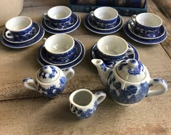 Blue Willow Childs Tea Set , Mid Century Japan, 24 Pieces, Wood Cabinet