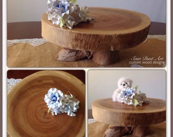 Pedastool log slice cake stand