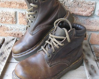 SALE Vintage Dr. Martens Brown Thick Leather, Women's UK 5, US W7, Eur 38, Classic Doc's, Made in England, Ankle boots