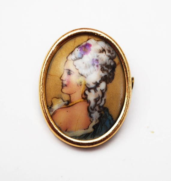 Hand Painted Porcelain Brooch - Limoge FRance Signed - Cameo Women Profile- Gold Frame - Antique Victorian - trombone Clasp pin