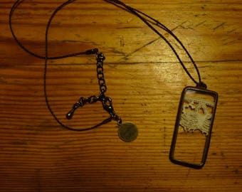 Rectangle pendant - 23 - antique lace and glass