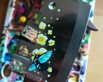 Cute Butcher Knives: Little Bee and Flowers