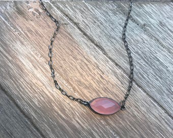 Scout - Pink & Black Gold Bezeled Stone Necklace