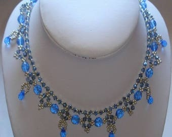 Blue necklace 'night Moon'