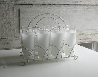 Vintage frosted white glassware in white metal carrier / shabby chic modern farmhouse drinkware / white glasses caddy / summer entertaining