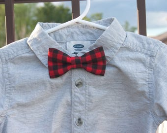 Red buffalo plaid bow tie..red plaid Bow Tie..little man Bow tie..Clip on Bow Tie...Toddler Bow Tie..Newborn Bow Tie..Christmas bow tie