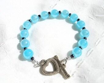 turquoise blue glass beaded bracelet