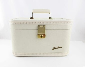 Vintage 'Starline' Traincase by Baltimore Luggage Co. - Textured Ivory - Overnighter - Goldtone Trim - Train Case - Chic - Large Mirror