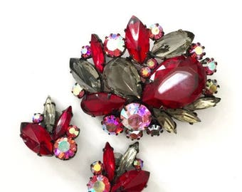 Red and Grey Rhinestone Demi, Unsigned Schreiner, Brooch Earring Demi, Japanned Metal, Open Back & Closed Back Rhinestones, Wedding Jewelry