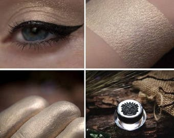 Eyeshadow: Cherishing of Deers - Druidess. Beige satin eyeshadow by SIGIL inspired.