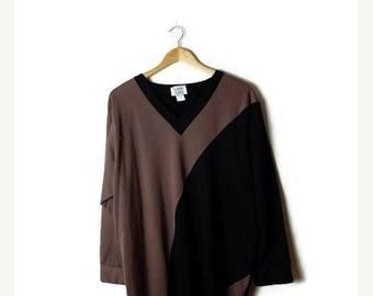 ON SALE Vintage Oversized Black/Beige Color blocked Top from 1980's*