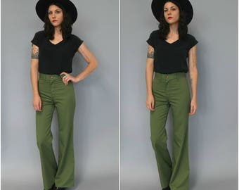 1970s army green high waisted bell bottoms - size 28
