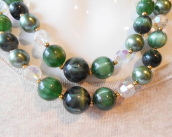 Vintage Necklace, Green Bead Necklace, Double Strand Beads, Green Beads, Vintage Jewelry