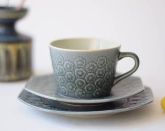 Excellent! Quistgaard - AZUR Blue - tea / coffee trio - octogonal shape - cup / saucer / plate - Kronjyden / Nissen - Danish mid century