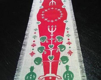 Summer sale Swedish Vintage Christmas Printed Linen Table Runner. Xmas Pattern. Swedish Vintage 1970s.