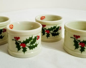 Christmas Table Decor 4 Vintage Holly Napkin Rings J-7029 Japan