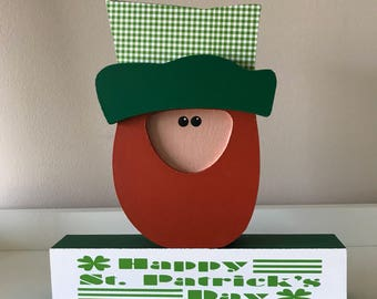 Leprechaun on Block / St. Patrick's Day Decor
