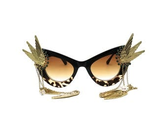 Retro Pin-UP Cat-eye Leopard Sunglasses with Wing and Emerald Swarovski detail - MARIA