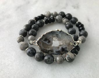 Black and White Natural Agate Double Wrap Bracelet - Silver Edge Black Labradorite and Onyx Beaded Bracelet - Boho Layered Bracelet