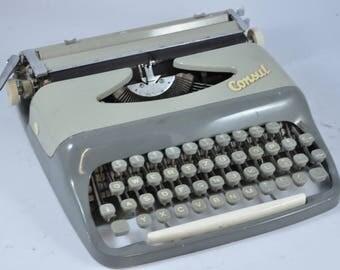Consul Working Typewriter, Portable Typewriter, Vintage Typewriter, Grey Typewriter, White Typewriter, Manual Typewriter, Retro Typewriter