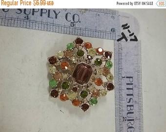 10% OFF 3 day sale Vintage used goldtone  rhinestone brooch