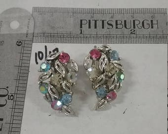 10% OFF 3 day sale Vintage  used lisner rhinestone  clip earrings