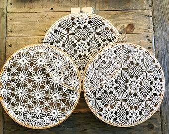 Doily Hoop / Framed Doily / Embroidery Hoop Doily / Bohemian Doily / Boho Farmhouse / Vintage Doilies / Hoop Doily / Farmhouse Decor