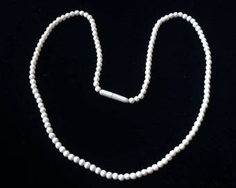 Vintage Single Strand Bovine Bone Choker Necklace
