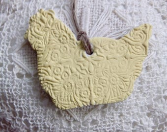 Yellow air dry clay hen ornament, chicken decoration, handmade clay hen, home decor, kitchen, easter gift, unique hen ornament, spring