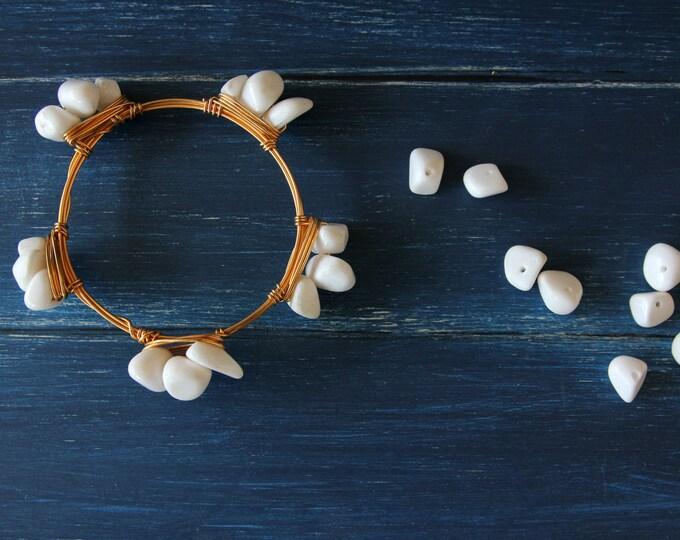 White beads bangle