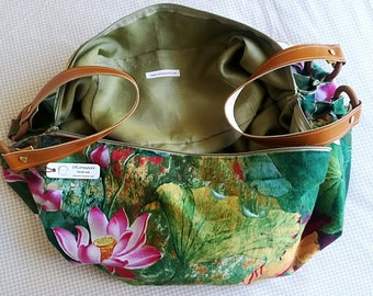 Drip bag in floral fabric - leather shoulder strap.