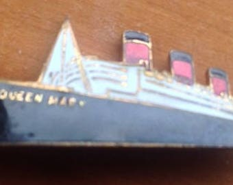 Queen Mary Souvenir Pin -PRICE REFLECTS SALE