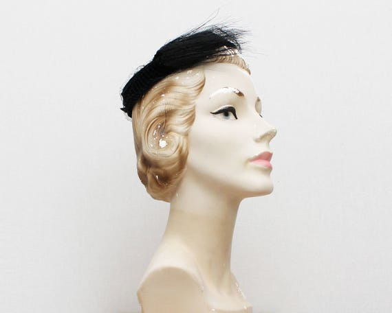 Vintage 1940s Black Velvet Ring Hat