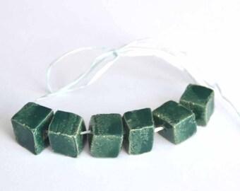 Handgemaakte Keramische Kraaltjes Blokjesvorm in ForestGroen