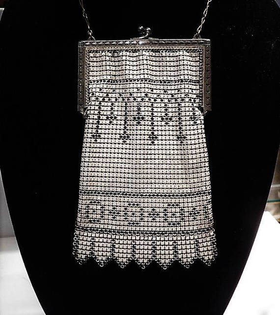 Antique Purse Whiting Davis Handbag Enamel Painted Mesh Geometric Decoration Embossed Silver Frame Art Deco Bag Flapper Fashion 1920s Purse