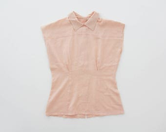Vintage Blouse // 60's 70's Peach Back Buttoning Sleeveless Top