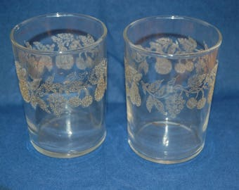 2 Vintage Juice Glass, Clear Glass, Frosted Grape, Frosted Cherries, Frosted Pears,  Bartlett Collins, Retro juice Glasses
