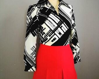 70s mod mini dress / vintage black white red dress / monocrome 70s dress / 70s mini / 70s long sleeve short dress / retro mini dress