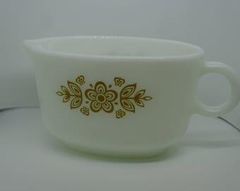 Pyrex Butterfly Gold 1 Gravy Boat White Opalware Kitsch